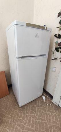Холодильник Indesit NTS14A