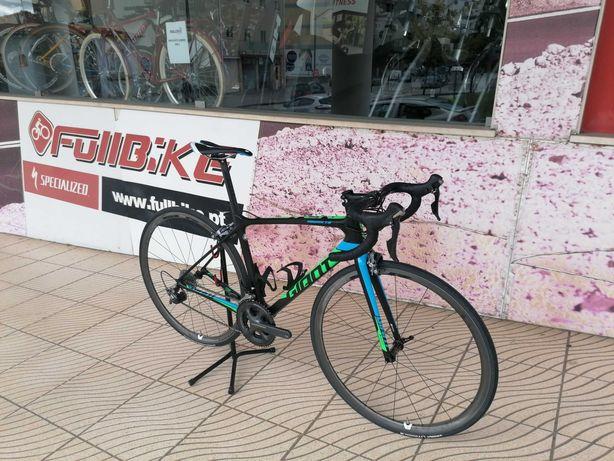 Bicicleta estrada Giant advanced de carbono tamanho 52