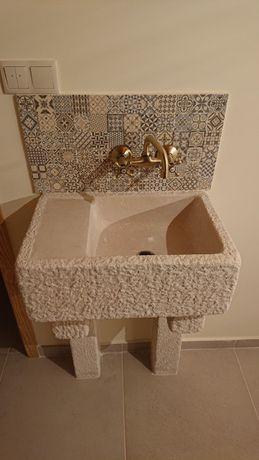 Vendo pias/ lavatórios em pedra