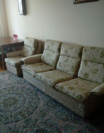 М'яка частина диван і два крісла