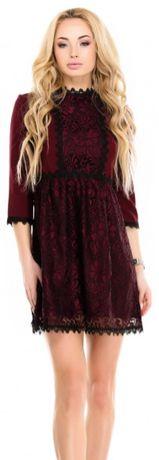 Бордовое платье в черные цветы с фальш-пиджаком до пояса