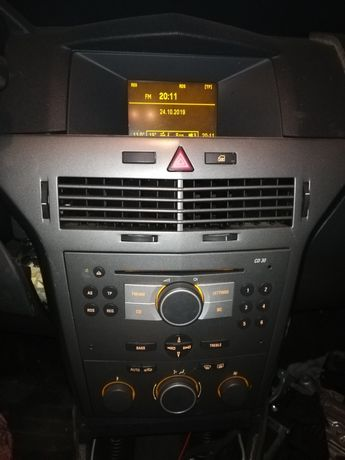 Astra3 H 05r 1.6 Z16XEP radio+wyświetlacz oryginał jak nowe Europa