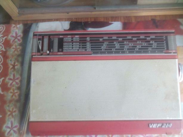 Радиоприемник VEF 214 (СССР)