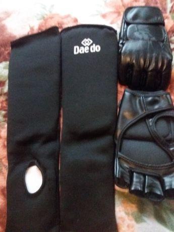 Продам защиту і перчатки
