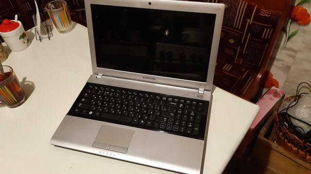 Ноутбук Samsung rv518