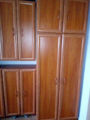 Zestaw mebli szafa, szafka wisząca i stojąca