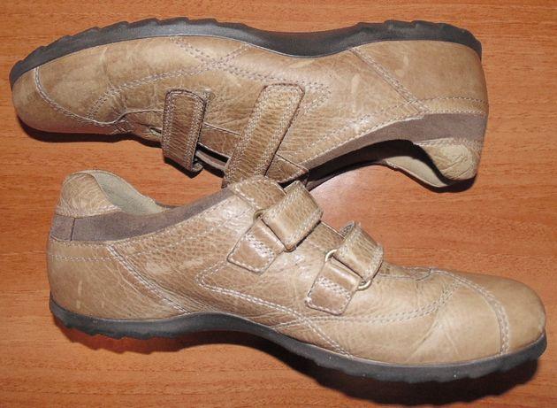 Продам кроссовки ECCO 40 размера + подарок мокасины Оригинал