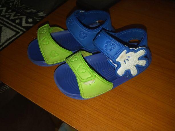 Sandałki bardzo lekkie
