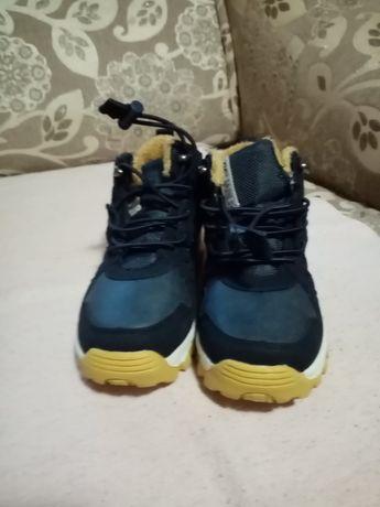 Фірменні демі черевички Reserved
