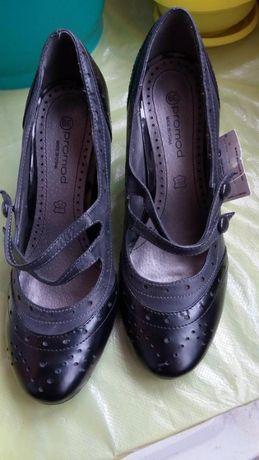 Фирменные туфли на каблуке Promod