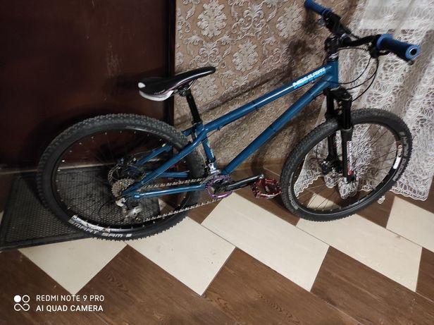 Велосипед мtb розмір м , на гарних деталях , дуже міцна рама
