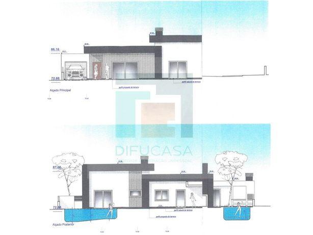 Moradia T4 com Piscina e Garagem- Moradia em Fase de Cons...