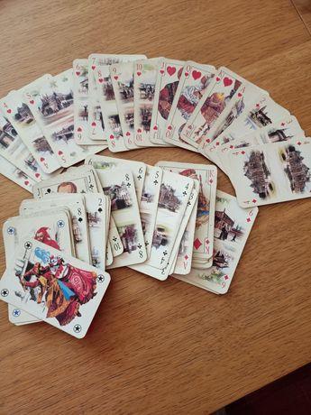 55 kart do gry, wszystkie kolory od 2 do asa i 3 dzokery