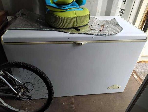 arca frigorífico usada c/130cmx.0,60cm, em bom estado