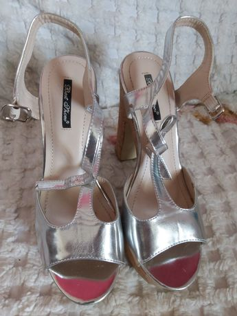 Sandália salto alto Best Shoes como novas usadas 2 vezes