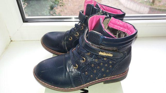 Продам ботинки для девочки 32 размер Б/у пересылка