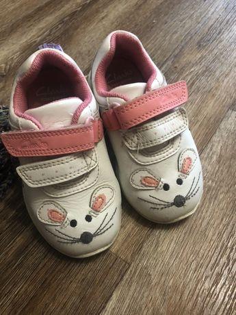 Кроссовки для девочки кожа