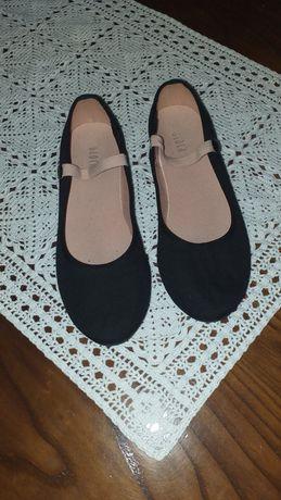 Sapatos de caráter ballet