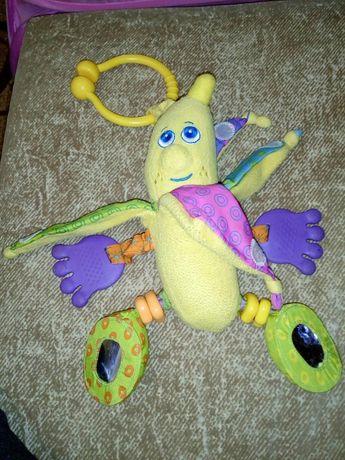 Банан подвеска погремушка Tiny love