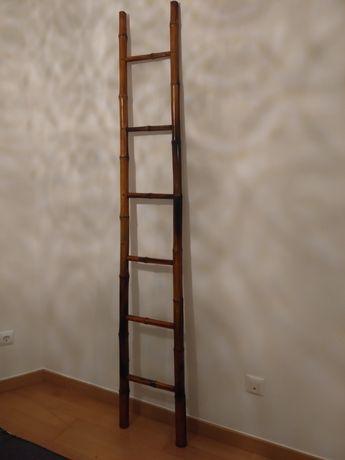 Escada de bambú castanha