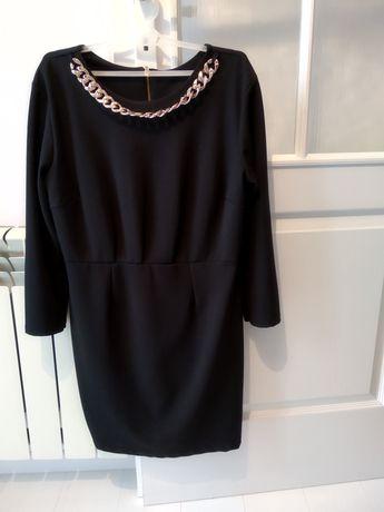 Sukienka czarna.