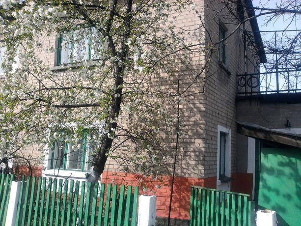 Дом двухэтажный кирпичный в Новогродовке со всеми удобствами