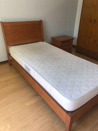 Conjunto de cama de solteiro + mesa de cabeceira