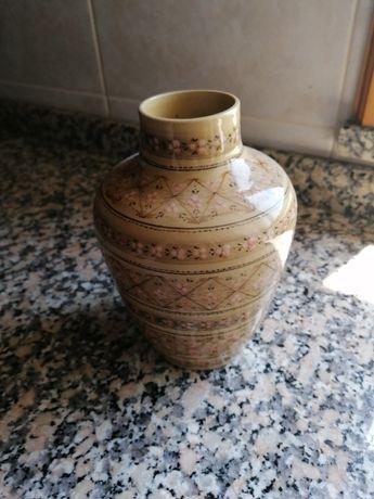 Jarro/Pote de Porcelana Feito a mão 1989