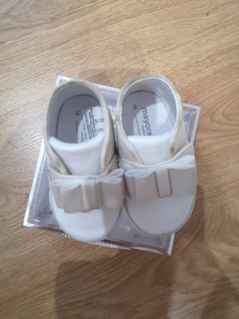 Sapatos/sapatilhas mayoral 18