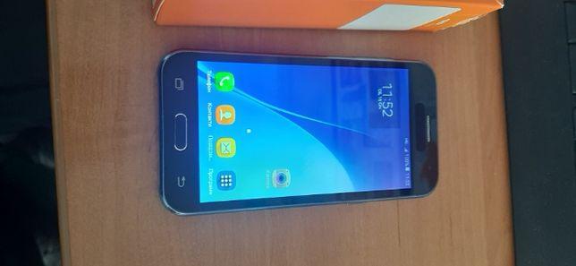Смартфон Samsung Galaxy J2 черный