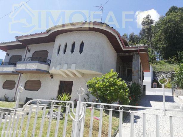 Casa em Moreira Do Rei E Várzea Cova de 359 m²