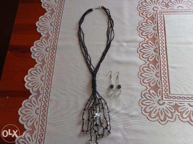 Czarny naszyjnik z przeźroczystymi kosteczkami+ kolczyki
