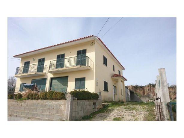 Moradia T3 - Prado Pequeno - Almendra - Vila Nova de Foz Coa
