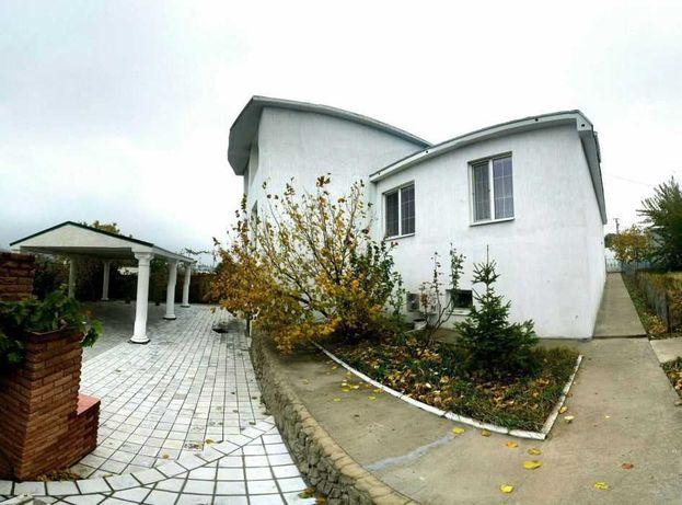 Продам дом в Корсунцах с фонтаном и банкетным залом