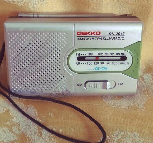 Mini odbiornik radiowy.