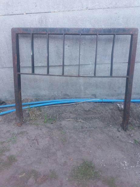 Ramka-oslona karetki wózka widlowego