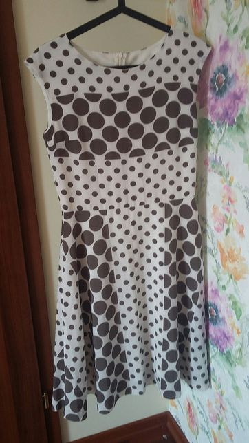 Sukienka w grochy rozmiar m/l