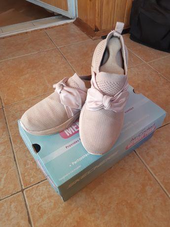 Кроссовки на девочку 34 р Skechers