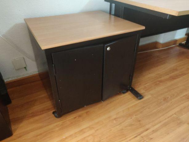 Vendo armário de apoio de escritório - 42x60x57cm - Em bom estado