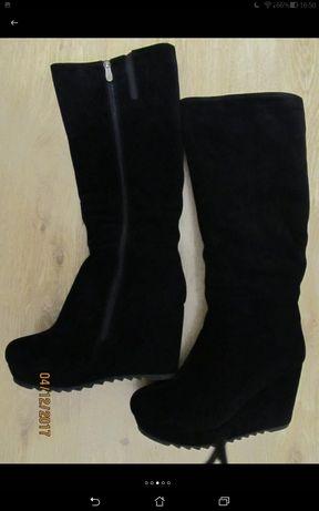 Фірмові замшеві зимові чоботи (замшевые сапоги), розмір 39 .