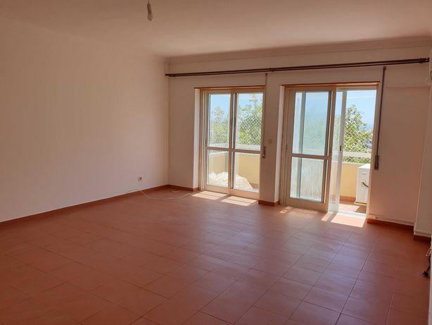Aluga-se apartamento T2+2 em Cascais