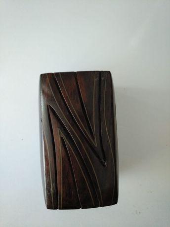 Porta lapis em madeira maciça