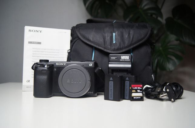 Sony NEX-6 body + torba +2x bat +16GB+ 2 obiektywy