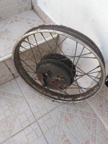 Rodas de moto e camara de ar