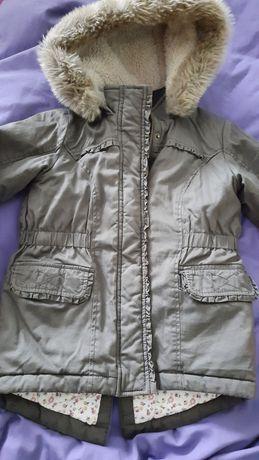 Мягусенькая деми куртка 5-6 лет