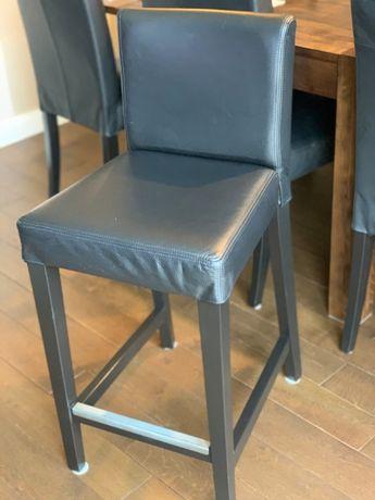 Sprzedam dwa skórzane krzesła barowe HENRIKSDAL-stan idealny