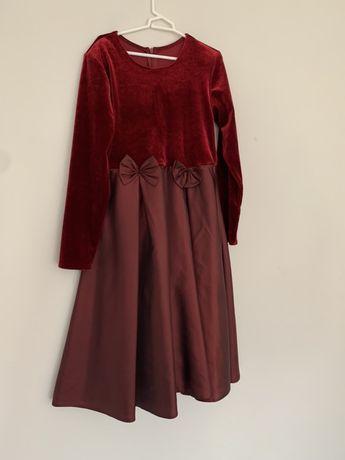 Sukienka bordowa, rozm. 134, stan bardzo dobry, na wigilie.