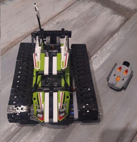 Klocki LEGO Technic Zdalnie sterowana wyścigówka