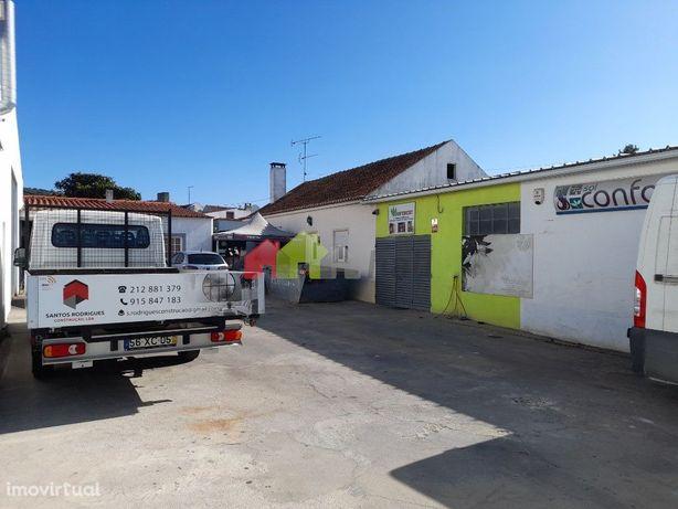 Complexo industrial em Cabanas /Palmela   seis armazéns e moradia de h