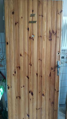 Drewniane okna i drzwi